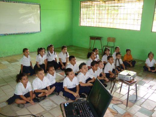Niños del nivel de transición, escuela Los Ángeles de Cariari